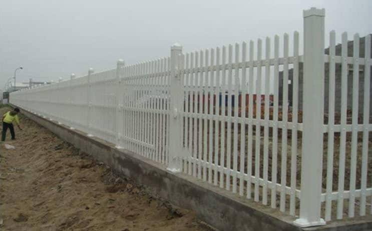 hàng rào sắt bảo vệ công trường