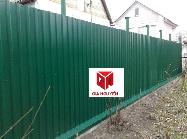 mẫu hàng rào tôn giá rẻ công trinh